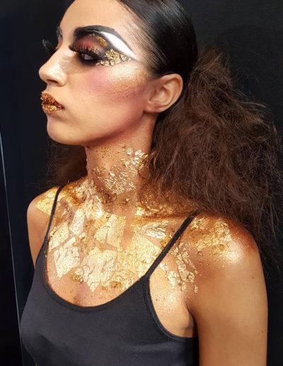 maquillage aux feuilles d'or mode artistique à Paris