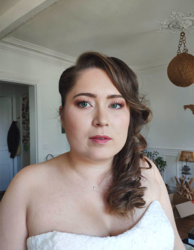 Maquillage mariage tons rosés
